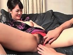 Brunette asian accepts cunt licked and fingered